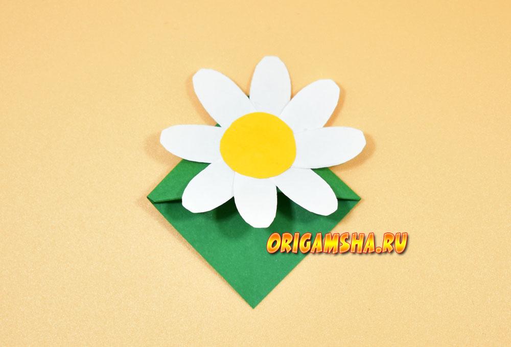 Закладка уголок цветок